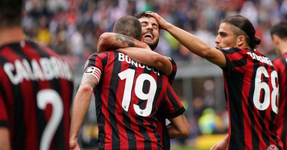 Liga Europa: Milan goleia Fiorentina e vai à fase de grupos