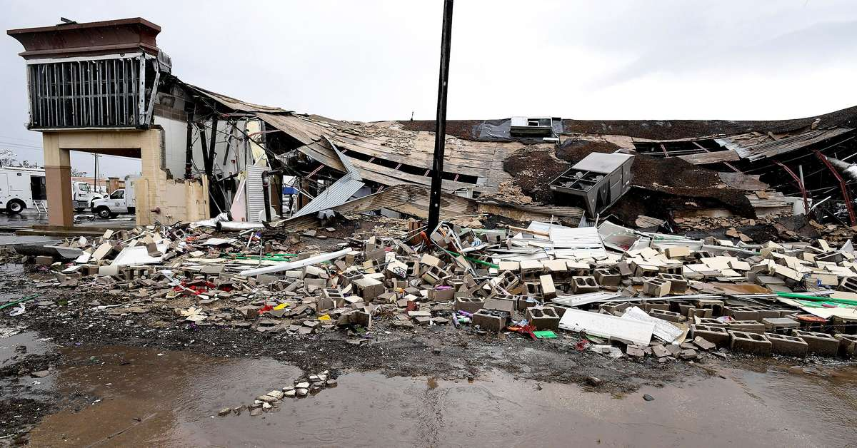 Furacão Laura deixa 14 mortos no sul dos EUA e perde força