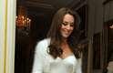 """Bolero: é uma peça que termina logo abaixo dos seios. """"Pode-se dizer que é um spencer mais curtinho. Deve ser evitado por quem tem muito seio, está acima do peso e tem o quadril largo"""", acrescentou. A duquesa Kate Middleton usou um modelo de bolero no dia de seu casamento"""