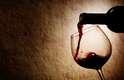 3. Não seja esnobe: não peça o vinho mais caro da carta. Certamente existe um mais em conta e tão bom quanto