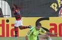 Com gol de Vagner Love nos minutos finais, o Flamengo arrancou empate do Palmeiras por 1 a 1 em Volta Redonda