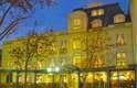 Hotel Orly - O Hotel Orly aposta na excelência de seus serviços e em sua elegância para proporcionar aos hóspedes uma estadia agradável em Santiago. Situado no bairro de Providencia, o Orly tem diárias a partir de R$ 240, em quartos que misturam tradição e modernidade. Endereço: Av. Pedro de Valdivia, 27. Telefone: (00 XX 562) 2334-4403