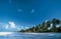 Andros, Bahamas: o arquipélago de Andros é composto por três ilhas principais, North Andros, South Andros e Mangrove Cay, e centenas de ilhas e ilhotas. Andros conta com a terceira maior barreira de coral do mundo, com 225 km de extensão, e numerosos buracos azuis explorados pela primeira vez por Jacques Cousteau, num paraíso para mergulhadores. A maioria do arquipélago permanece intocada, com florestas subtropicais com mais de 50 espécies de orquídeas, além de praias paradisíacas. Existem alguns bons hotéis como o luxuoso resort Tiamo, na ilha de South Andros, com 11 bangalôs a beira da areia e diárias a partir de R$ 1 600
