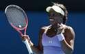 A americana Sloane Stephens, de apenas 19 anos, protagonizou a primeira grande zebra do Aberto da Austrália de 2013, ao eliminar a compatriota Serena Williams, vencedora de 15 títulos de Grand Slam, sendo cinco em Melbourne. Stephens, número 25 do ranking, venceu por 2 sets a 1, com parciais de 3/6, 7/5 e 6/4, após duas horas e 17 minutos