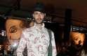 O modelo Marco Antonio Silva aderiu a uma saia criada especificamente para os homens: o kilt, uma peça-chave do guarda-roupa Escocês