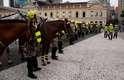 Tropa de Choque e Cavalaria da Brigada Militar se posicionaram nos arredores da prefeitura desde o início da tarde, diante da iminência do protesto