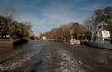 A bela cidade fica no delta do rio Tigre e, por isso, é composta por várias ilhas...
