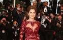 Cheryl Cole escolheu um vestido com transparências