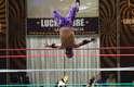 As disputas se caracterizam por muitos movimentos acrobáticos, que levam os fãs à loucura