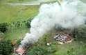 30 de maio - Incêndio produziu grande coluna de fumaça em fazenda no interior de MS