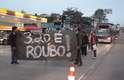 O grupo interditou faixas na avenida M'Boi Mirim, na zona sul da capital