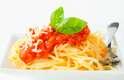 Carboidratos: o corpo produz mais calor após uma refeição cheia de carboidratos do que uma mais gordurosa. Isso porque as calorias são queimadas imediatamente em vez de serem estocadas pelo organismo