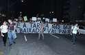 Um novo protesto contra o reajuste da tarifa de ônibus intermunicipais na Baixada Santista e a implantação do sistema de cartão-transporte aconteceu em Santos na noite de sábado