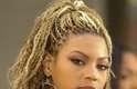 Dona de curvas e rebolado de causar inveja nas mulheres e deixar os homens boquiabertos, desde pequena Beyoncé já cursava aulas de dança. Descobriu a vocação de cantora aos 7 anos e não parou mais. Integrou os Destiny's Child, impulsionou sua carreira e decidiu seguir trabalho solo. Hoje, se consolidou como uma das divas da música