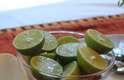4 limões verdes pequenos