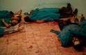 Corpos são vistos em hospital após o tiroteio em frente ao prédio da Guarda Republicana, em Nasser, nos arredores do Cairo