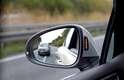 Side Assist traz sinais luminosos no espelho que alertam em caso de aproximação de outro veículo