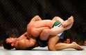 Chael Sonnen conquistou neste sábado a maior vitória da carreira. O americano nunca tinha conseguido bater um ex-campeão do UFC, mas dominou e finalizou Mauricio Shogun Rua com tranquilidade