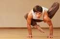 Programa de exercíciosA ioga é uma ótima forma de se começar um programa de exercícios. Existem muitos programas para iniciantes, especialmente para homens. Isso irá ajudar aqueles que estão desanimados ou com vergonha pela falta de habilidade