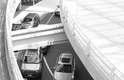 Um motorista muda de faixa sem avisar, podendo fazer com que outro motorista acione os freios inesperadamente. Ao detectar o perigo, o Front Assist intervém