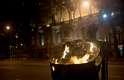 Manifestantes atearam fogo em lixeira durante tumulto