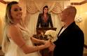 Enquanto não sobe ao altar com o noivo, Felipe Franco, Juju Salimeni teve uma experiência diferente nos Estados Unidos. No programa 'Legendários' deste sábado (23), a assistente de palco pedirá um estrangeiro em casamento em uma das famosas capelas de Las Vegas, com um imitador de Elvis Presley como mestre de cerimônias