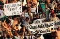 Torcedores do Figueirense festejam volta à Série A