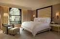 Peninsula Suite, The PeninsulaSuíte com seis quartos do hotel The Peninsula, a Peninsula Suite garante uma estada inesquecível com camas extremamente confortáveis, cozinha e sala de jantar. Pelo preço de R$ 52 mil diários, os hóspedes aproveitam serviços luxuososcomo o transporte do aeroporto de um dos veículosBMW do hotel