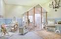 Tanto a casinha como os móveis foram desenhados pela designer Lílian Pimenta