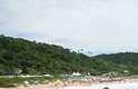 Praia do Pinho (Santa Catarina)Localizada em Balneário Camboriú, a praia carrega o título de primeira praia naturista do Brasil
