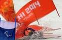 Francês Frederic François cai e se machuca durante a prova de esqui downhill sentado