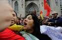 São Paulo - A concentração ocorria pacificamente, mas registrou ao menos um tumulto isolado: uma mulher foi hostilizada ao gritar contra o evento, enquanto carregava uma Bandeira do Brasil e uma cartaz que dizia 'Brasil não é Cuba'