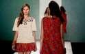 Sob o tema Origem, a grife usou a túnica como ponto de partida para criar vestidos longos e amplos, pantalonas e blusas na altura da cintura