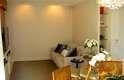 Além de fechar a cozinha, Danyela mudou o lado de acesso para o cômodo e a disposição das salas de jantar e TV