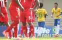 Neymar cobrou falta no ângulo para fazer o primeiro do Brasil