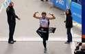 As pessoas sãomais rápidasaos 20 do que aos 18 anosUm estudo espanhol comparou as idades e tempos de prova de corredores da Maratona de Nova York em 2010 e 2011 e conclui que os homens são mais rápidos aos 27 anos e as mulheres aos 29. Em outras idades, notaram que as pessoas eram 4% mais lentas a cada ano antes desta média e 2% nos anos depois. Assim, um maratonista de 18 anos corre quase na mesma velocidade que um atleta de 60