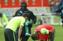O atacante Neymar deu um susto nos jogadores da Seleção durante o treino desta segunda-feira