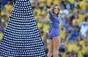 Claudia Leitte, Jennifer Lopez e Pitbull cantam o hit 'We are one (Ole, Ola)', a música tema do Mundial