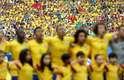 Jogadores da Seleção Brasileira se emocionaram quando o hino nacional foi cantado à capela no Estádio Castelão em Fortaleza, no jogo contra o México; Neymar chorou e David Luiz cantou alto