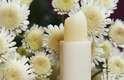 Apesar de não ter estudos científicos comprovando os benefícios da manteiga de cacau, especialistas defendem seu uso porque ela é rica em antioxidantes, vitaminas e minerais que neutralizam os efeitos dos radicais livres na pele