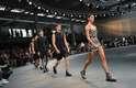 Nesta sexta-feira (26), a Givenchy transformou seu desfile masculino em Paris em uma verdadeira reunião das maiores tops da atualidade