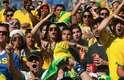 Bruna Marquezine prestigiou seu namorado, Neymar, neste sábado no Estádio do Mineirão, em Belo Horizonte. A Seleção Brasileira jogou contra o Chile na primeira partida das oitavas de final da Copa do Mundo de 2014. O jogo foi muito tenso e o Brasil se classificou nos pênaltis