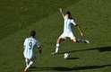 Quando a disputa dos pênaltis na partida entre Suíça x Argentina já parecia certa, Messi apareceu: aos 12 minutos do segundo tempo da prorrogação, o craque do Barcelona fez boa jogada e deu assistência para Di María, de primeira, mandar rasteiro para o fundo do gol e selar a classificação dos sul-americanos para as quartas de final