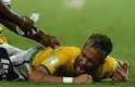 Aos 41min do segundo tempo, após cobrança de escanteio da Colômbia, a bola sobrou para Neymar que, ao tentar dominar, foi acertado por uma joelhada nas costas do lateral colombiano Zúñiga. Demonstrando muita dor, o atacante brasileiro recebeu atendimento médico no gramado, mas foi retirado de maca