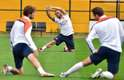 A seleção da Holanda treinou nesta quinta-feira no Estádio do Pacaembu, em São Paulo. Eles se preparam para disputar com o Brasil, neste sábado, o terceiro lugar da Copa do Mundo