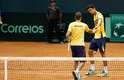 Marcelo Melo e Bruno Soares defenderam o Brasil contra a Espanha na Copa Davis, neste sábado, e venceram por 3 a 0.