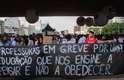 Profissionais da educação estiveram no vão-livre do Masp, na Avenida Paulista, em São Paulo, mais uma vez nesta sexta-feira (15)