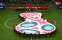 Jogadores de Dinamarca e Austrália antes do jogo no Estádio de Samara
