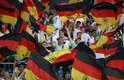 Torcida da Alemanha dá um show na arquibancada em Sochi em duelo contra a Suécia