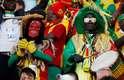 Torcedores de Senegal mostram sua animação antes do jogo contra o Japão pelo Grupo H da Copa do Mundo